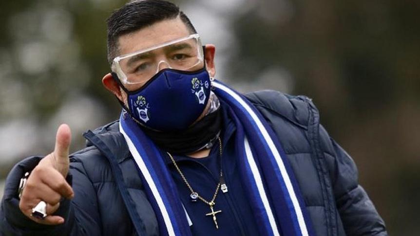 Sin la presencia de Maradona, definen el equipo para el debut