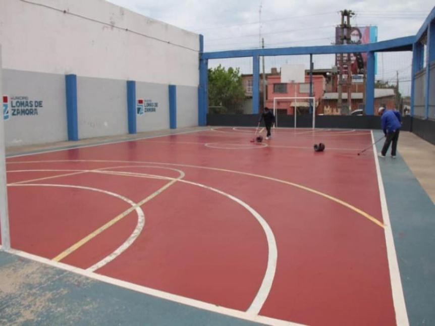 Lomas realiza mejoras en el polideportivo de La Noria para cuando vuelva a abrir sus puertas