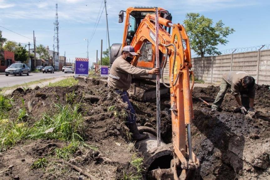 Trabajos de cloacas, saneamiento h�drico, bacheo y limpieza en Quilmes
