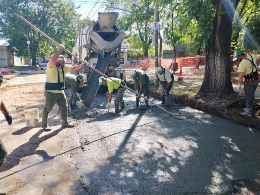 Se est�n realizando trabajos de hormigonado de calles en Ezpeleta Este
