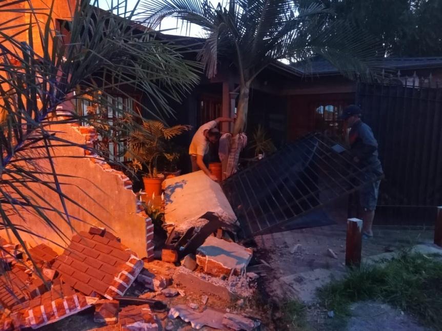 Le destrozaron la casa en varios accidentes de tránsito y pide soluciones