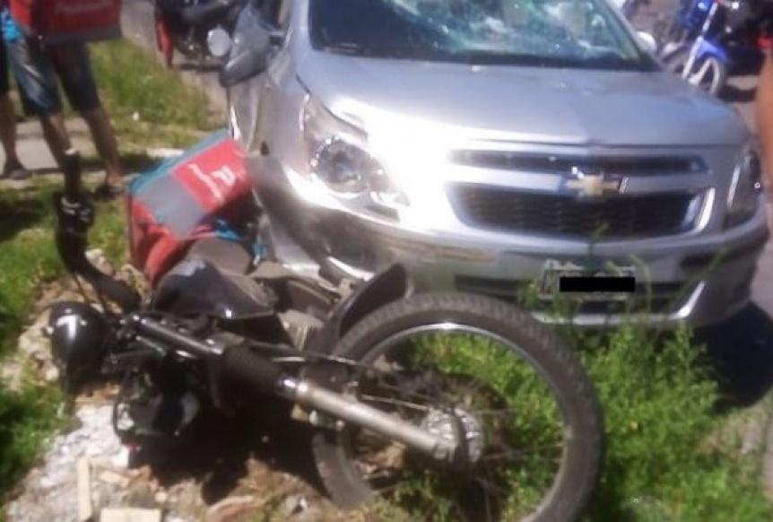 Deliverys reclamaban seguridad y un conductor atropell� a uno y sac� un rev�lver